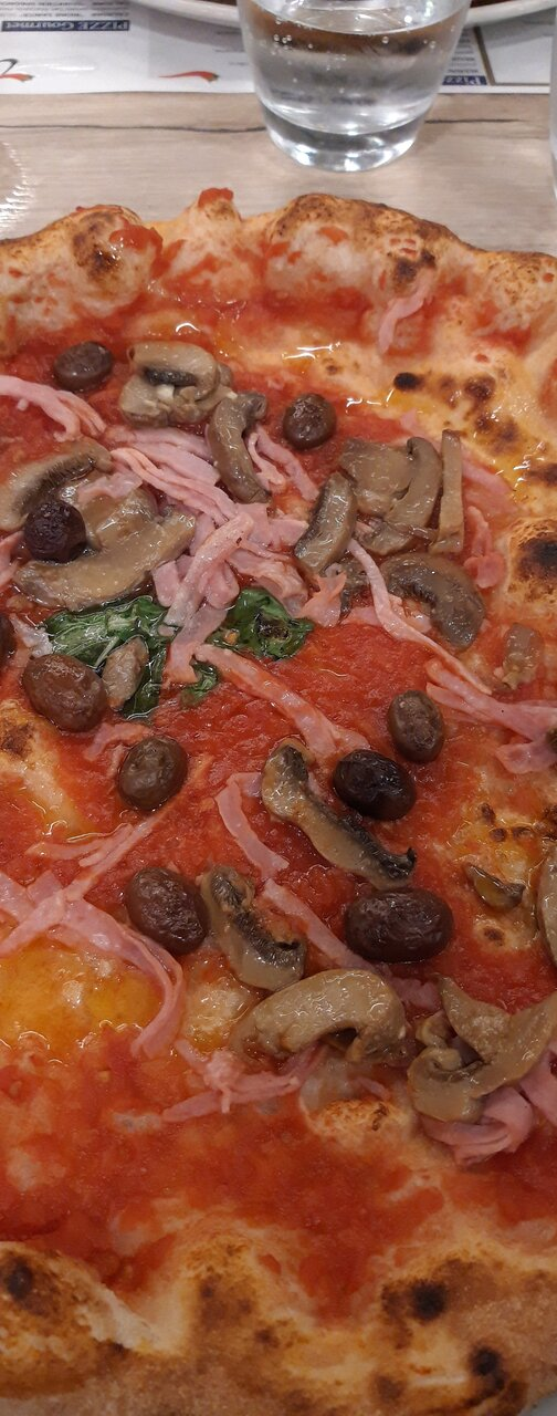 Ottima pizza napoletana ad Andora