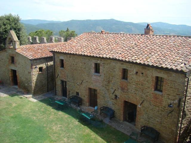 Castello di Montegualandro