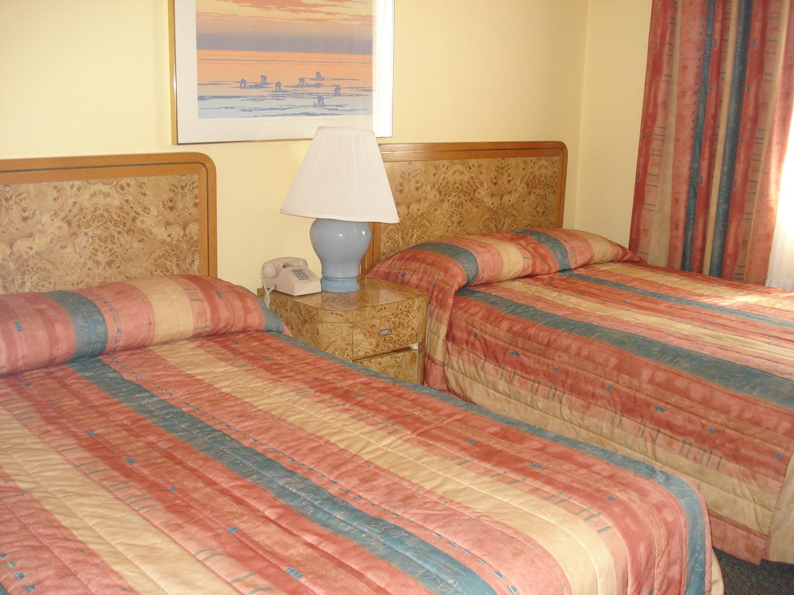 Royal Canadian Resort Motel