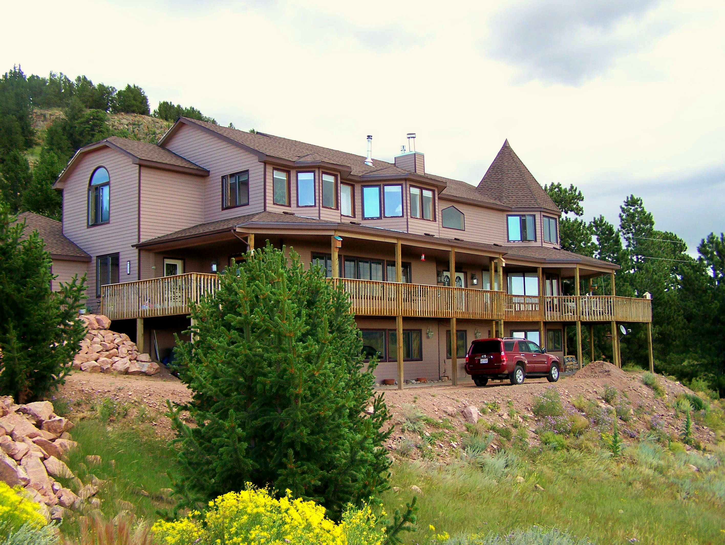 Whispering Pines Bed and Breakfast and Vacation Home Rental
