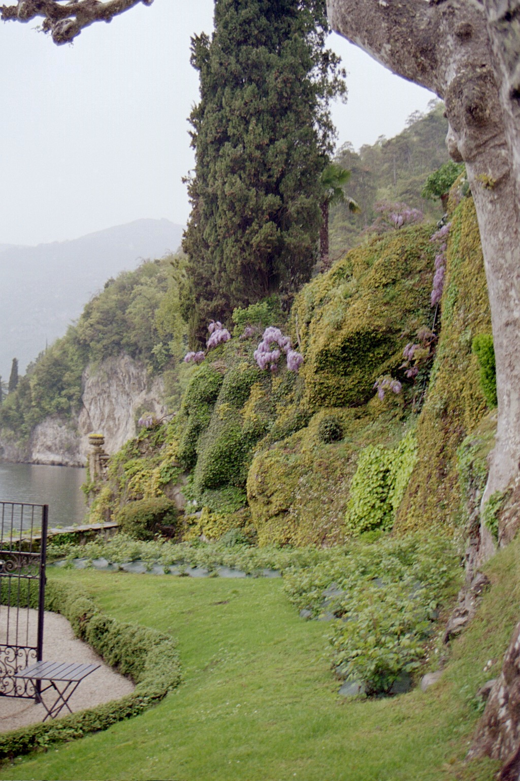 Villa Balbianello walkway