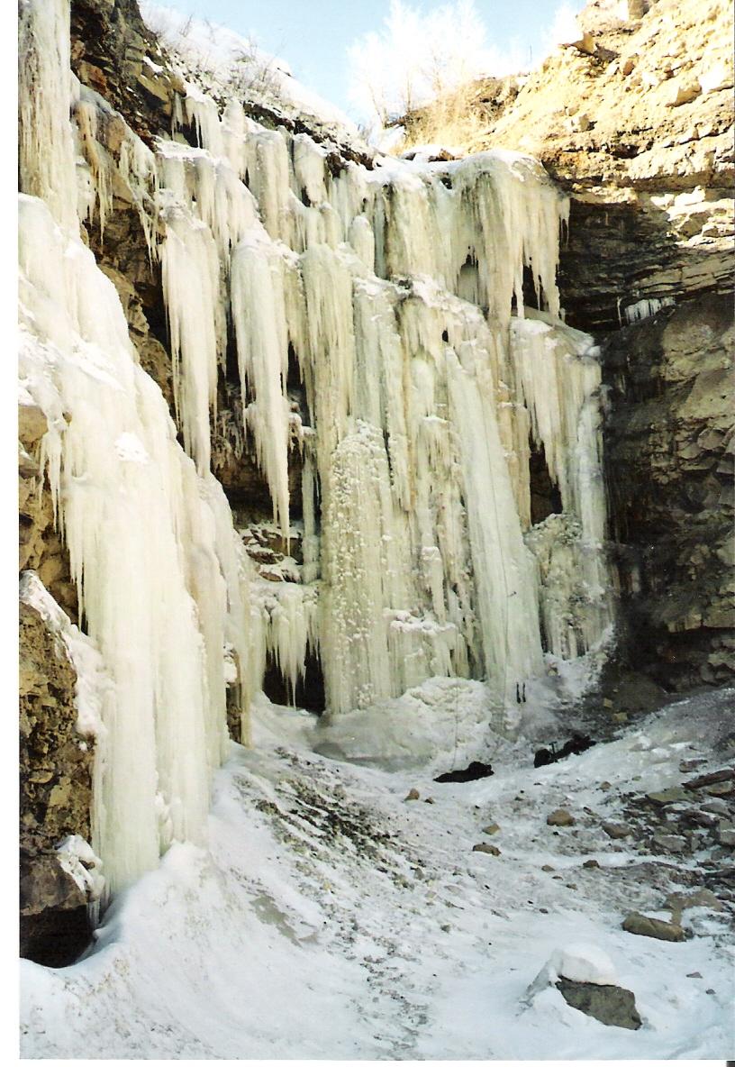 Eisgrotte von Osten