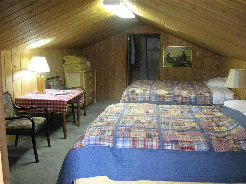 Smiley Creek Lodge