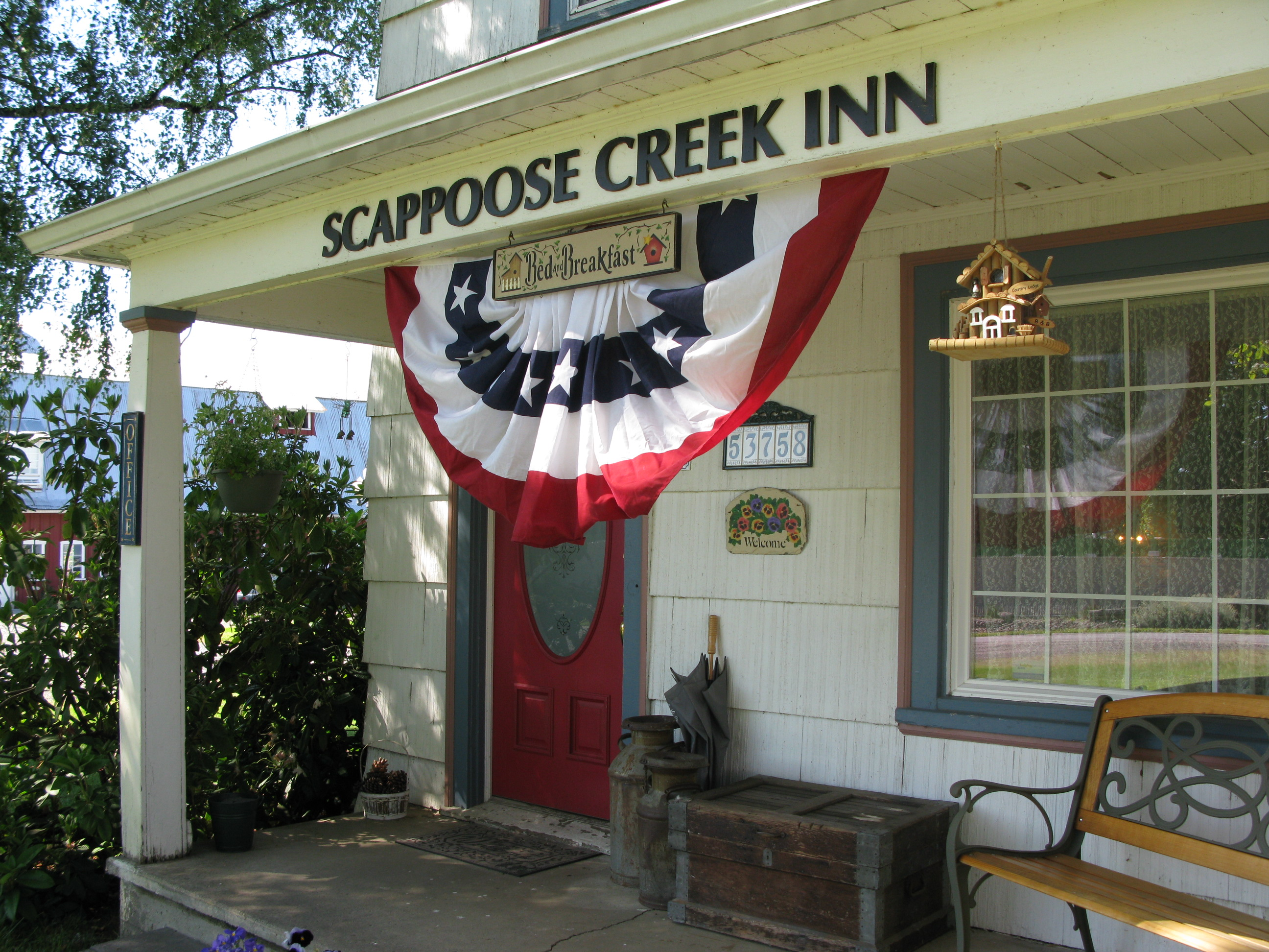 Scappoose Creek Inn
