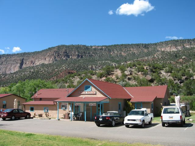 Jemez Mountain Inn