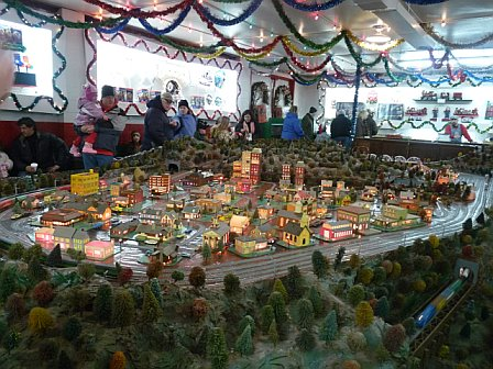 ‪Koziar's Christmas Village‬