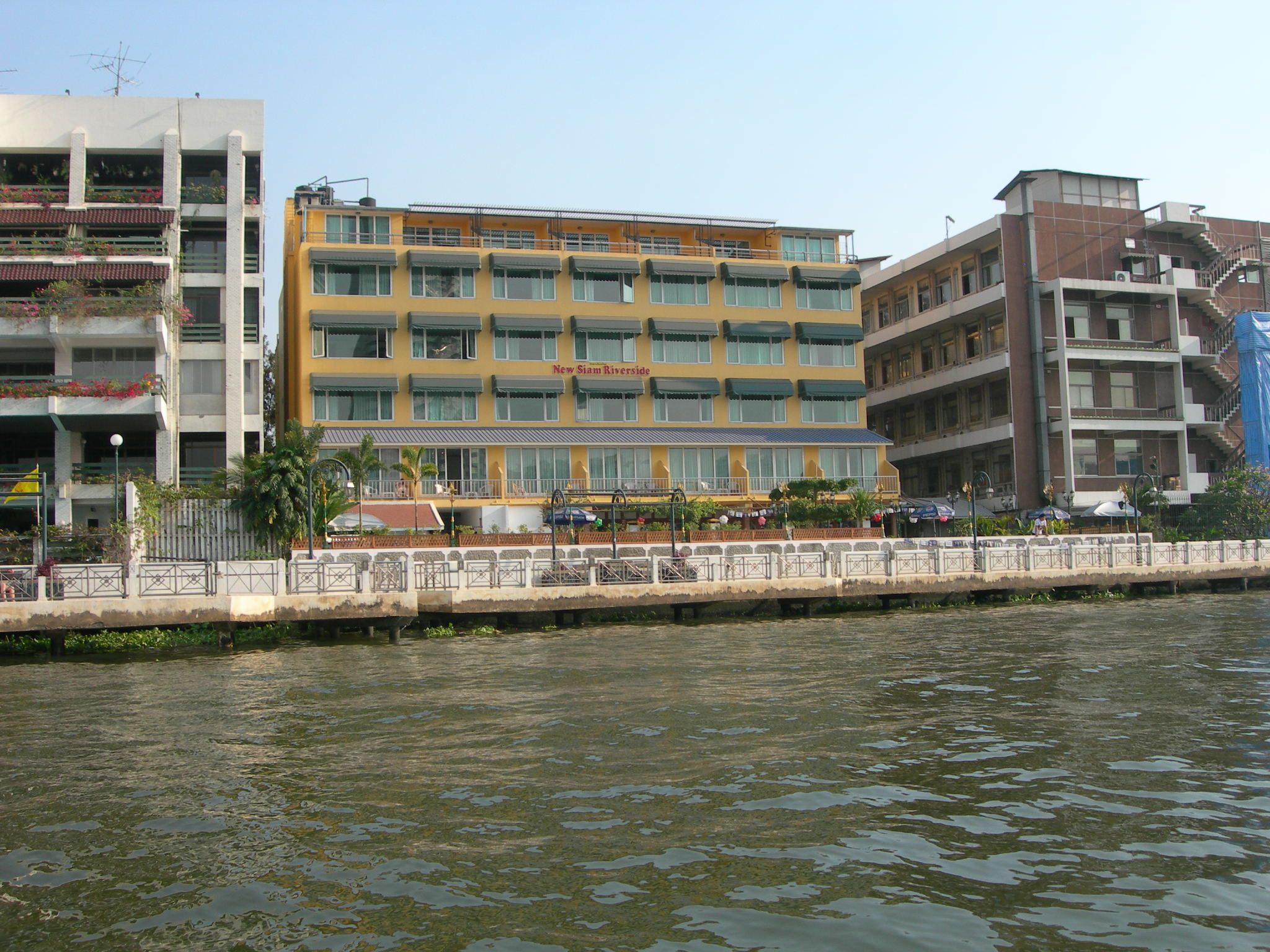 New Siam Riverside Guest House