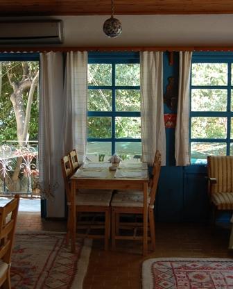 Anton Cafe & Restaurant