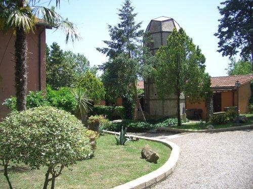里納多尼鄉村飯店
