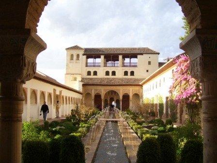 赫内拉利菲宫
