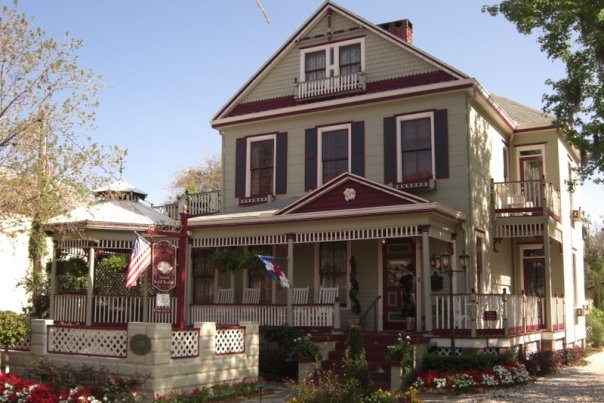 The Cedar House Inn