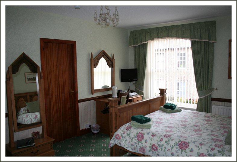 40 Ravensdowne Guest House