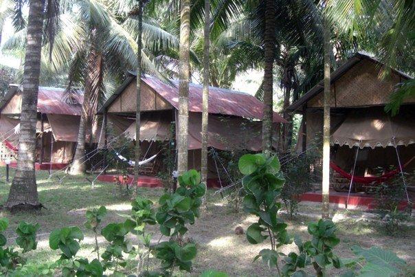 Island Vinnies Tropical Beach Cabana