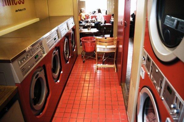 the laundromat cafe ile ilgili görsel sonucu