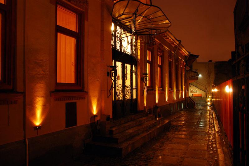 Vilo's Hotel