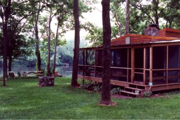 The Stone Manor Riverfront Cabins
