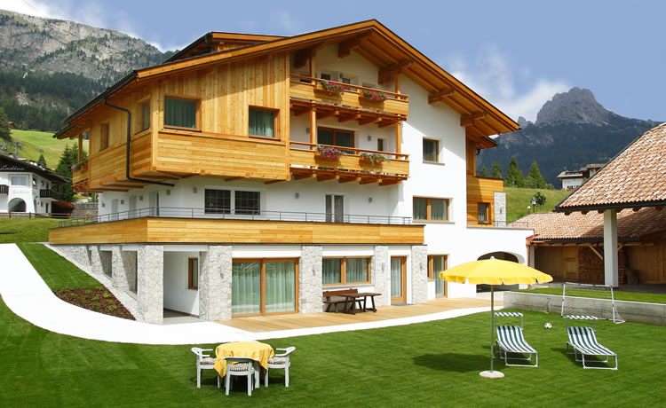 Residence Angelica (Selva di Val Gardena, Italy) - Lodge Reviews ...