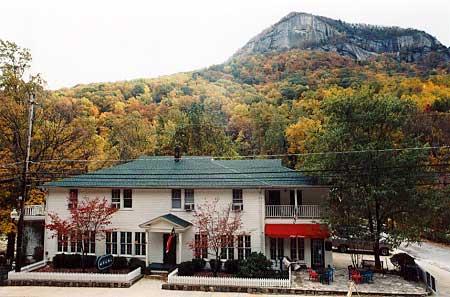 Fibber MaGee's Riverfront Inn
