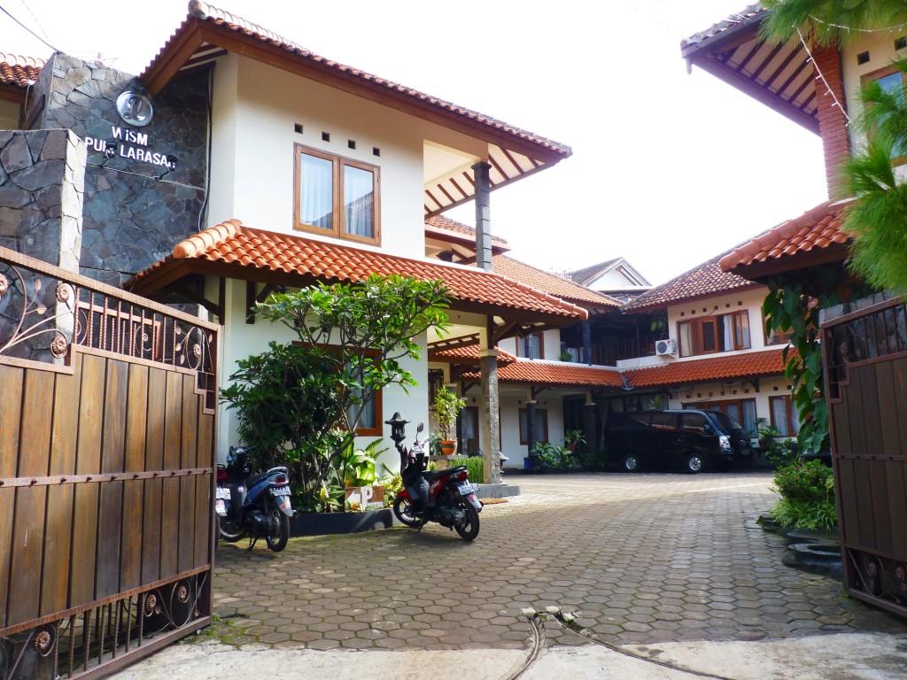 Puri Larasati Hotel