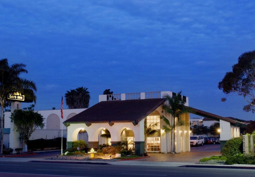 ‪Days Inn and Suites San Diego Near Sea World‬