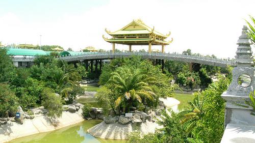 Lac Canh Dai Nam Van Hien