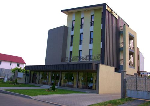 Ramina Hotel & Restaurant