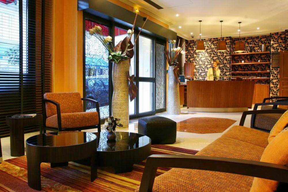 โรงแรมอาโกราแซงท์แชร์แม็ง