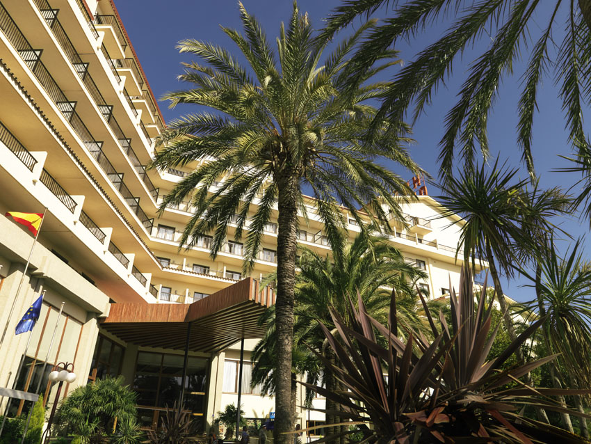 Hotel Intur Orange