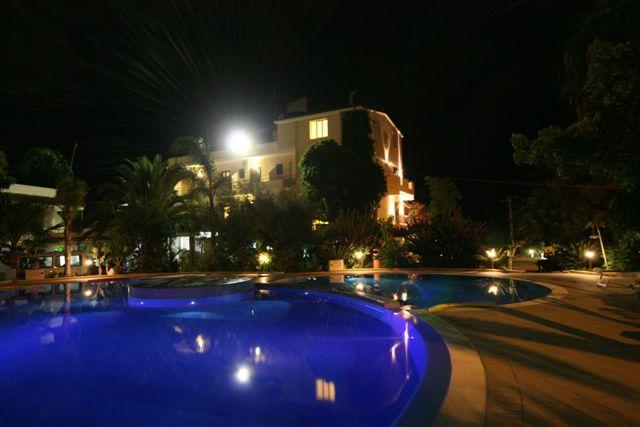 ホテル ラ ブッソーラ