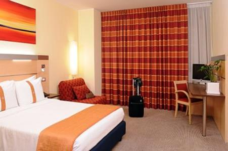 โรงแรมไอเดียมิลาโน่ บีคอกคา