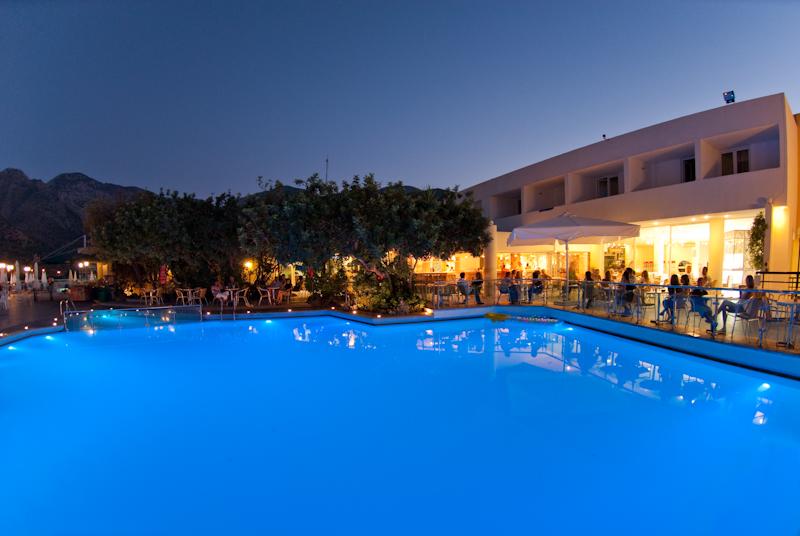 峉里島天堂海灘俱樂部療養飯店