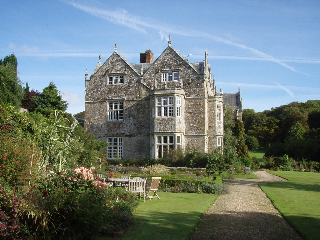 ‪NorthCourt Manor‬