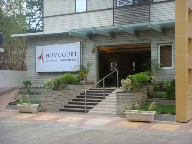 HomCourt Serviced Apartments