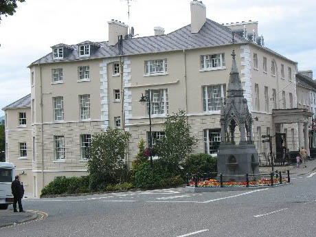 Lismore House Hotel
