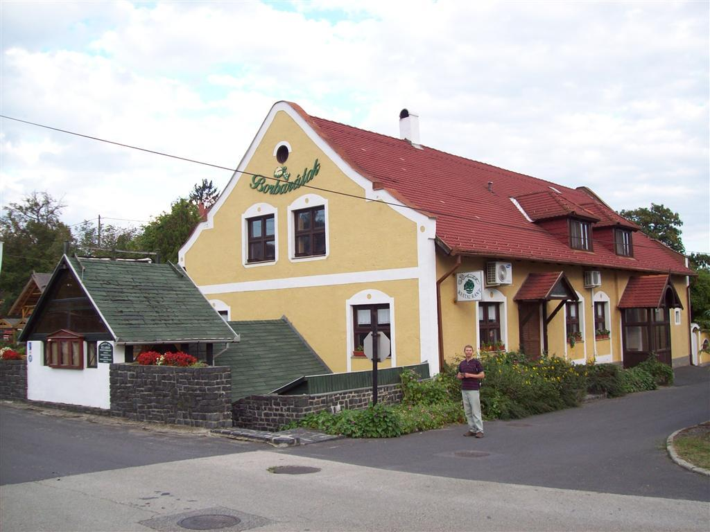 Hotel Borbaratok