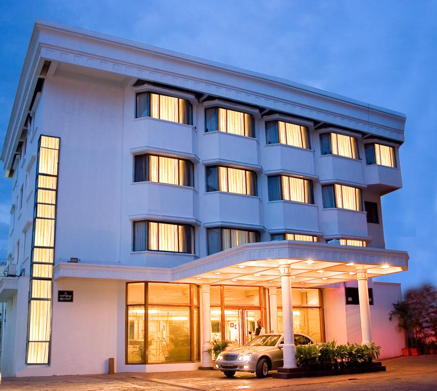 โรงแรมดิ อินเฟินทรี