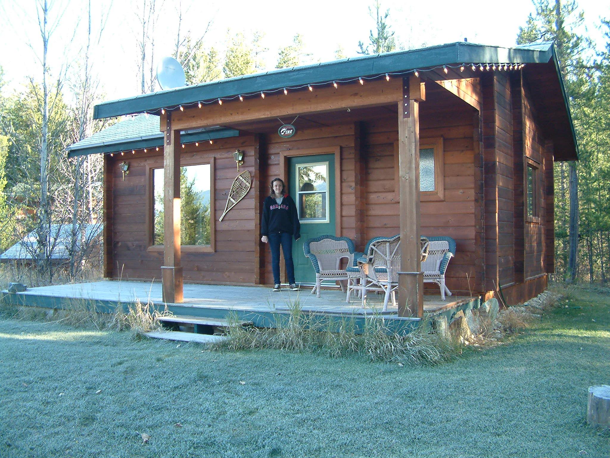Mica Mountain Lodge & Log Cabins