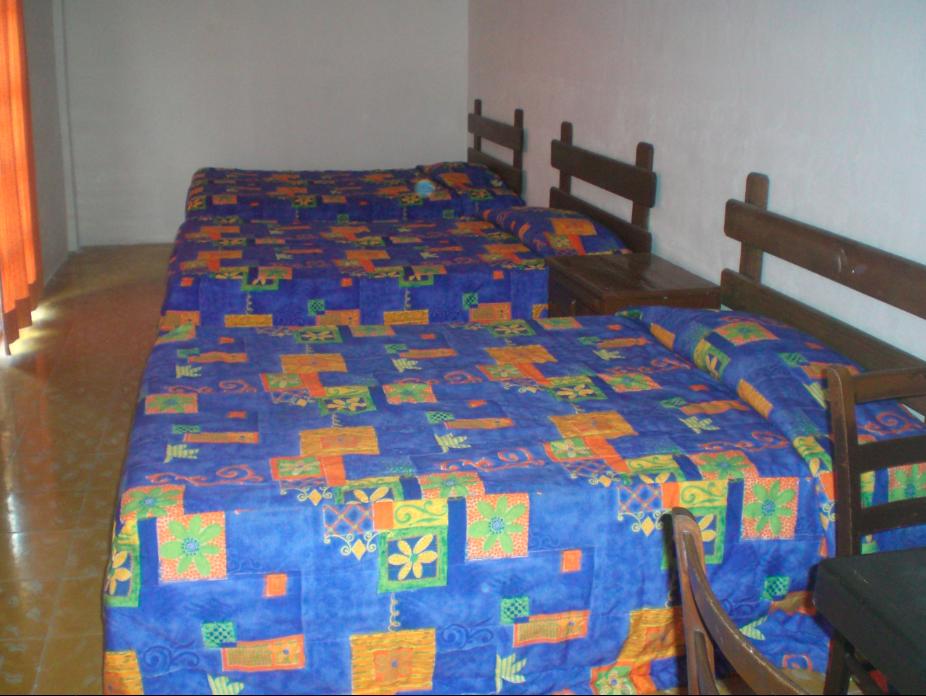ホテル コロニアル サン カルロス
