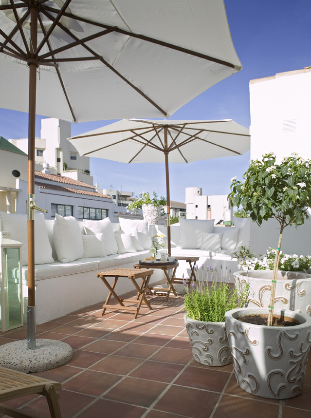 The town house marbella andalucia inn reviews photos for The terrace house book