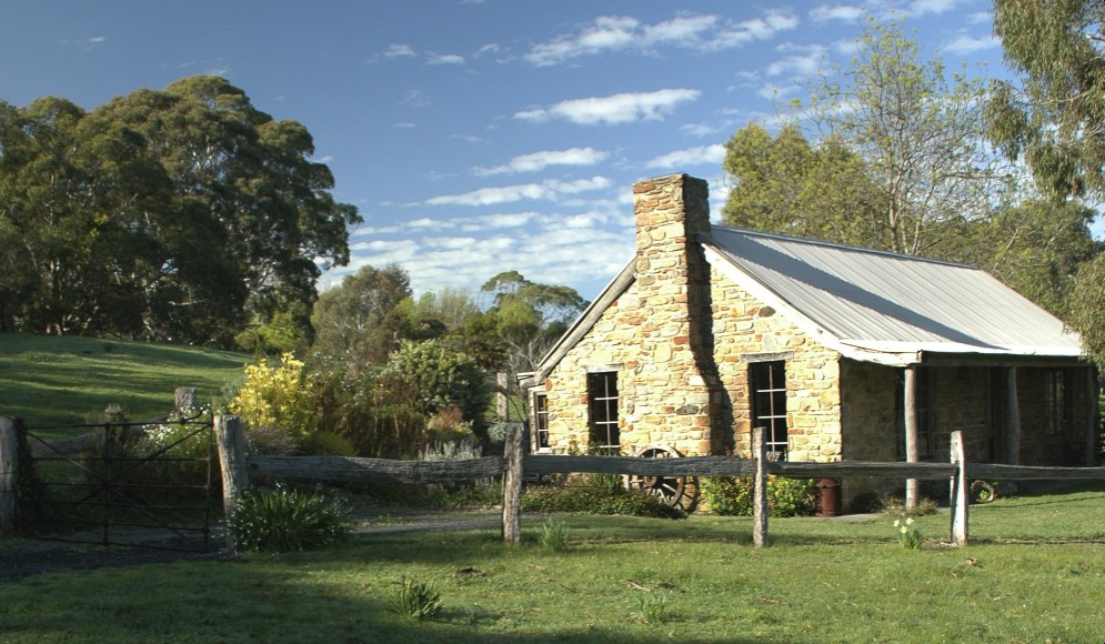 ‪Adelaide Hills Country Cottages‬