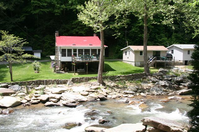 ‪River View Cabins‬