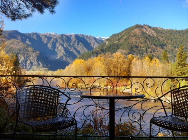 Enchanted River Inn