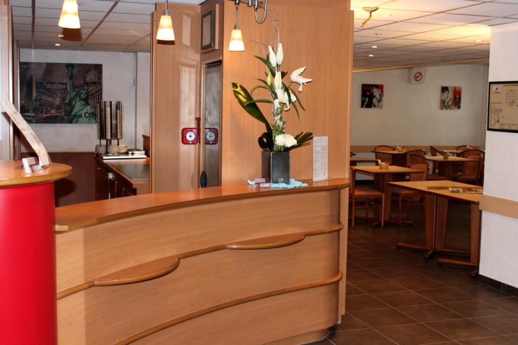 Hotel balladins Cannes / Le Cannet