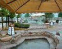 Yuelai Hotspring Resort Hill Village