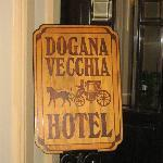 多加納維奇亞飯店