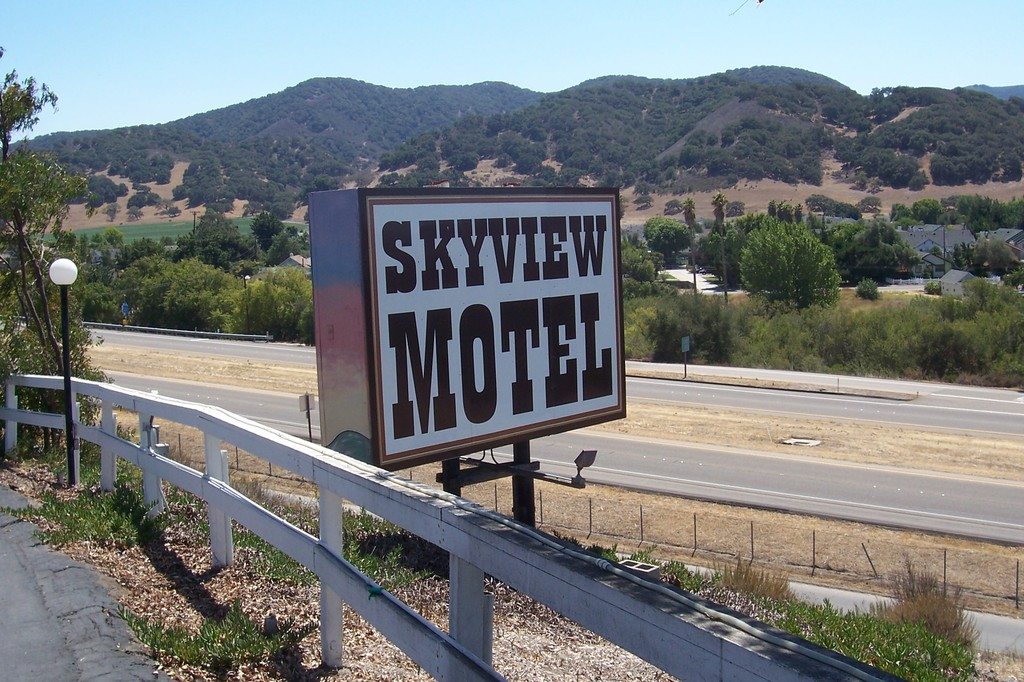 The Skyview Motel