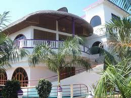 Tun l'Hotel House Boat
