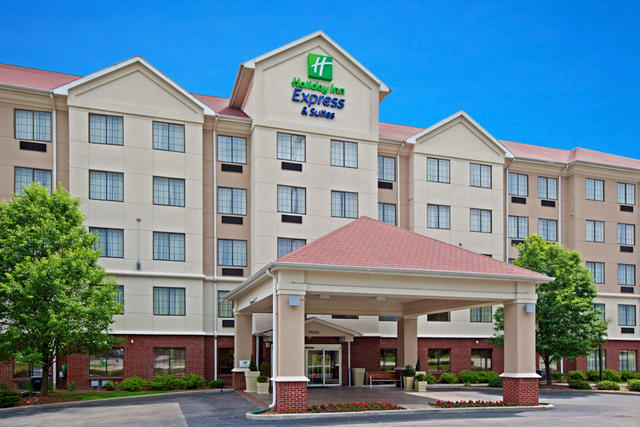 ‪Holiday Inn Express and Suites Indianapolis East‬