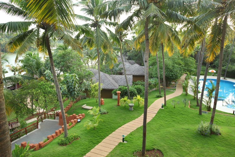 Fragrant Nature Hotels & Resorts - Kollam
