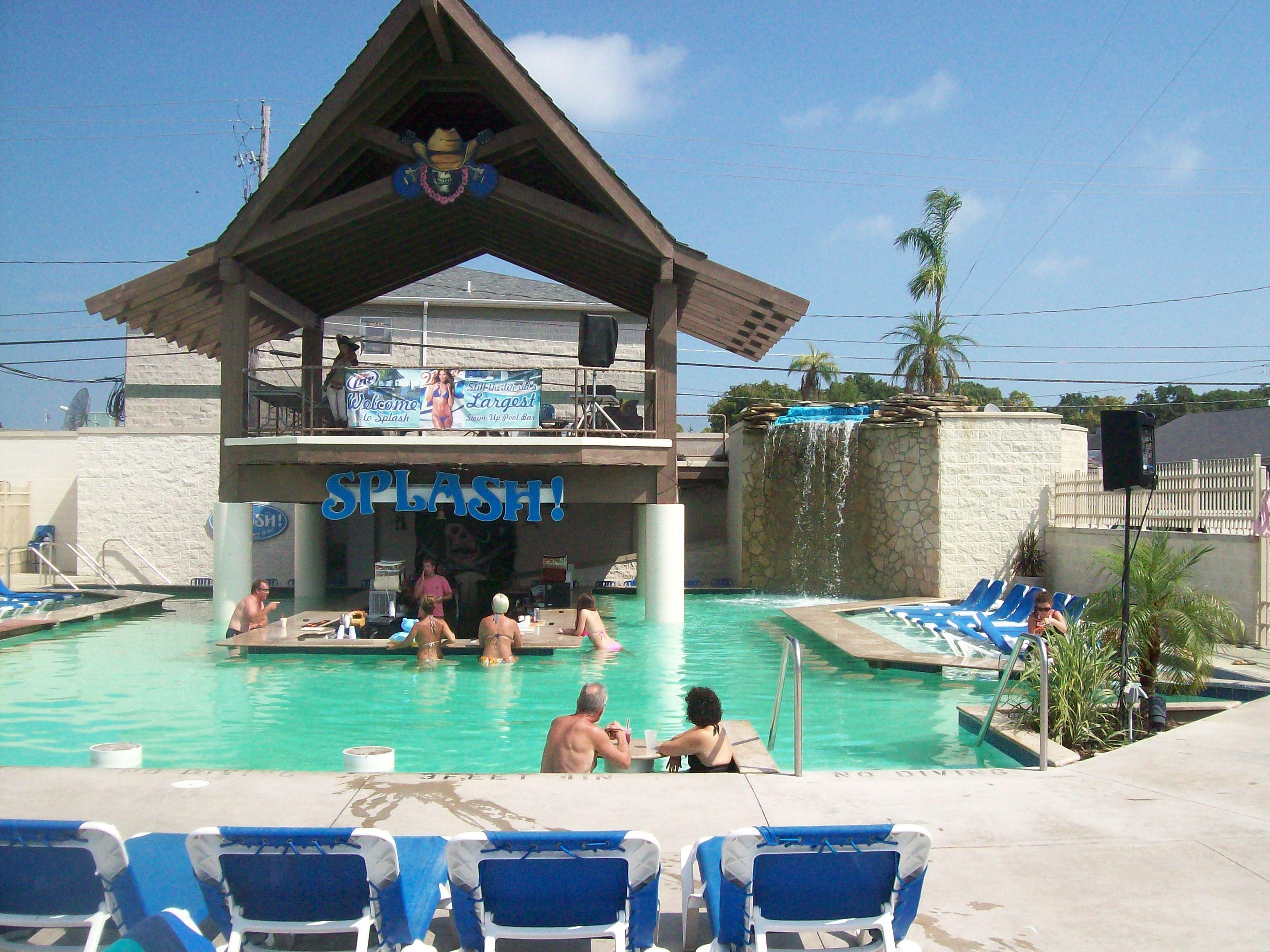 Grand Islander Hotel